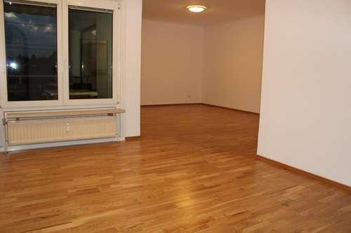 3 Zimmer Wohnung mit 2 Balkonen