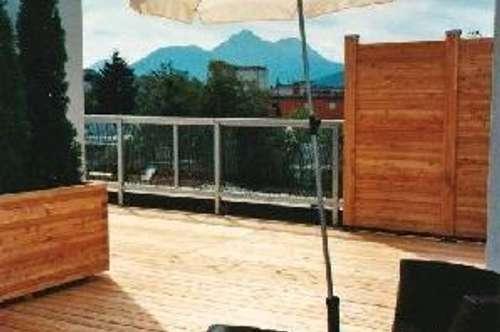 HAMMER WOHNUNG / Großzügige Penthousewohnung mit 90m² Dachterrasse, zwei Balkonen, Parkplatz