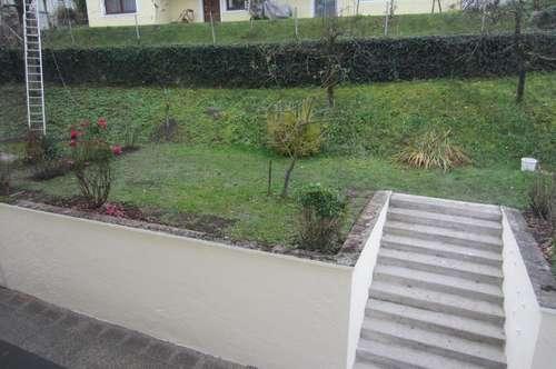 Großzügige 3 Zi.-Wohnung mit Garten