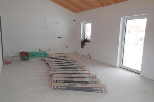 4 Zimmer Wohnung mit Gartenanteil und Balkon