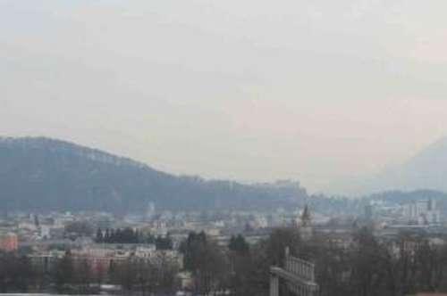 Neuwertige 3 Zi.-Dachgeschoß-Whg mit Salzburgblick