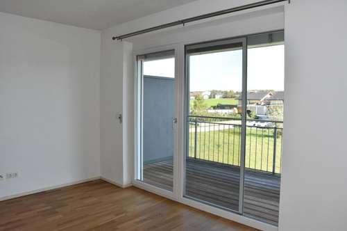 Moderne 3 Zi.-Wohnung mit Balkon und 2 TG-Stellplätze