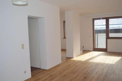 Sonnige 4 Zimmer Wohnung mit Balkon in ruhiger Lage