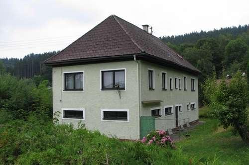 Günstiges Einfamilienhaus mit großem Garten!