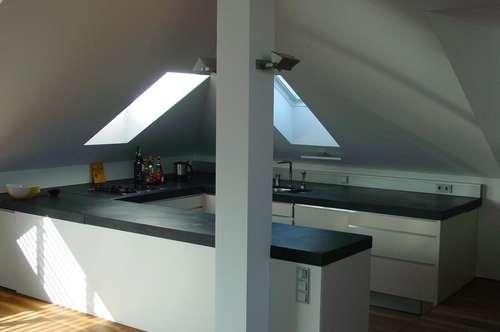 3 Zimmer Wohntraum mit großer Terrasse über den Dächern des Andräviertels