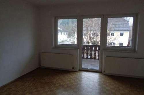 Wohnung mit Garten, Balkon und Parkplatz