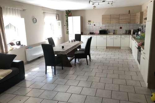 Wohnhaus mit Ausbaumöglichkeit