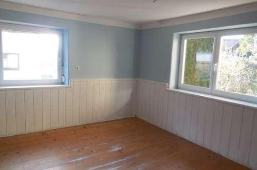 Sanierungsbedürftiges Haus