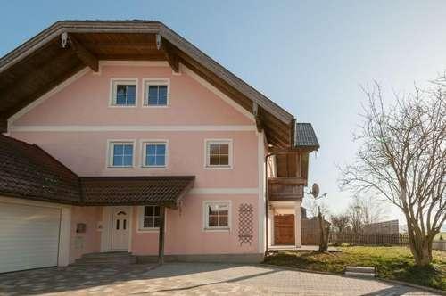 Gepflegte Doppelhaushälfte mit Garage in Neukirchen