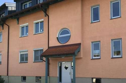 Sonnige 3-Zimmer-Wohnung mit Carport in Vollern bei Oberndorf