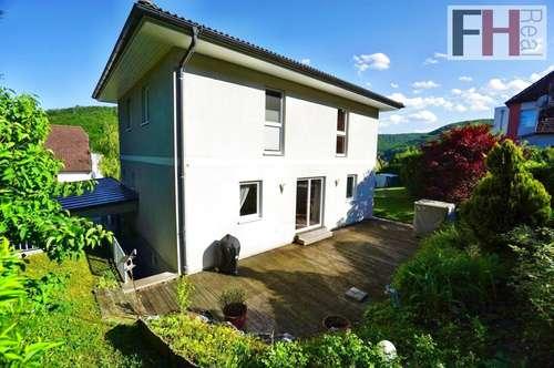 Rarität - Modernes Einfamilienhaus mit großem Garten zur Miete