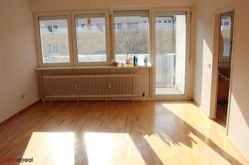 sehr helle 3-Zimmer Wohnung mit Balkon und Zentrumsnähe