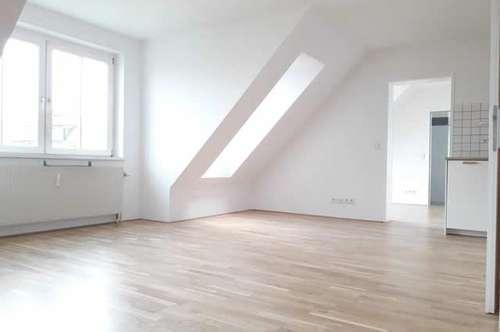 Sanierte, sehr helle, moderne 2-Zimmer-Dachgeschoss-Neubauwohnung in ruhiger, zentraler Lage des 5. Bezirks
