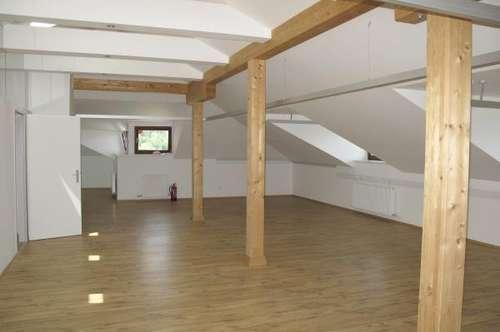 Schönes Großraumbüro