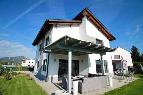 Neuwertiges exklusives Einfamilienhaus in Sonnenlage