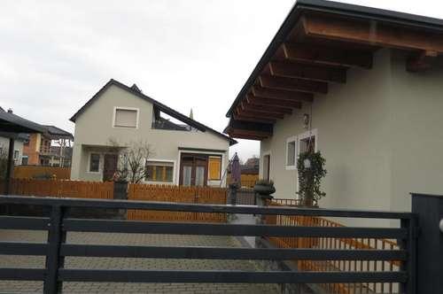 Neuwertiges Haus mit 968m² Grund mit zweiten Haus mit 35m² Garconniere