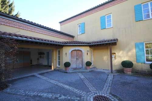 Große und stilvolle Villa im Toscana Stil am Rosenberg