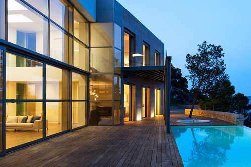 Villa in Grazer Bestlage am Ruckerlberg mit Swimming-Pool und großem Grundstück