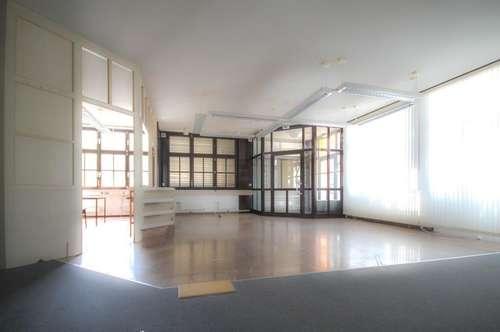 200 m² EBENERDIG IN TRAUNKIRCHEN/WINKL MIT GROSSEM PARKPLATZ