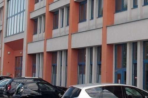 Geschäftslokal mit Büroflächen
