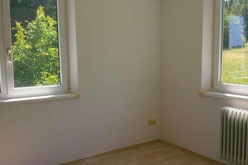 Bad Gams: helle 2 Zimmer Wohnung in ruhiger, sonniger Waldrandlage
