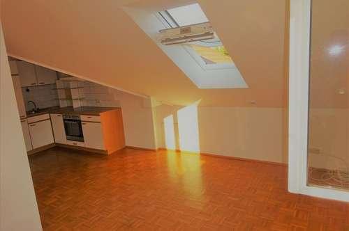 Nähe Deutschlandsberg: gepflegte Dachgeschoss Wohnung