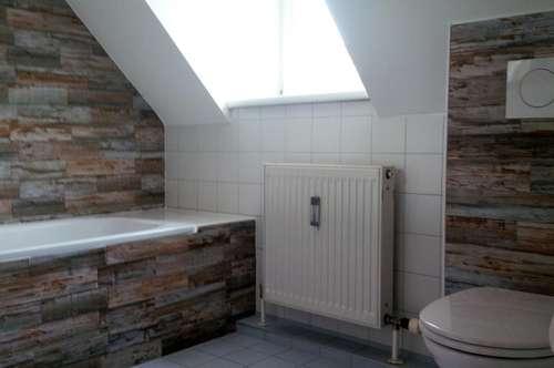 Eibiswald: Frisch renoviert! Schöne 2 Zimmer Wohnung/ Maisonette in zentraler Lage