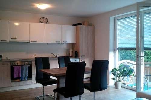 Moderne, neuwertige und barrierefreie Erdgeschoss Wohnung mit kleiner Terrasse
