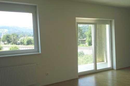 Helle 1 Zimmer Wohnung mit Balkon und Carport in zentraler Lage