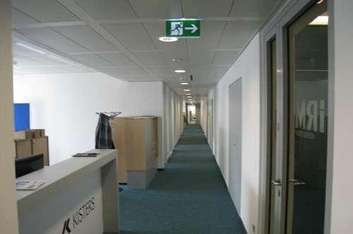 Toll ausgebaute Bürofläche im Euro Plaza zu mieten!