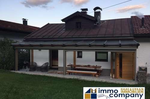 Breitenbach am Inn: SOFORTBEZUG, kleine Doppelhaushälfte 60m2 Wohnfläche, 537m2 Garten, Doppelgarage-Carport