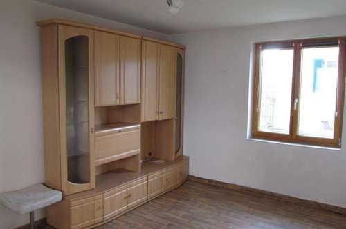 Einfamilienhaus mit großem Grundstück (3099 m²) in der Gemeinde Murfeld
