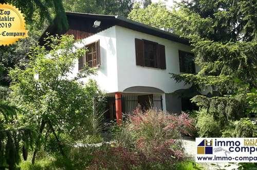 Ehemaliges Jagdhaus ca. 120m² Wfl., 5 Zimmer, ca. 5903m² Gfl. - 198.000 Euro VB In idyllischer Einzellage, nur wenige Fahrminuten, östlich von Güssing, befindet sich diese wunderschöne Liegenschaft.
