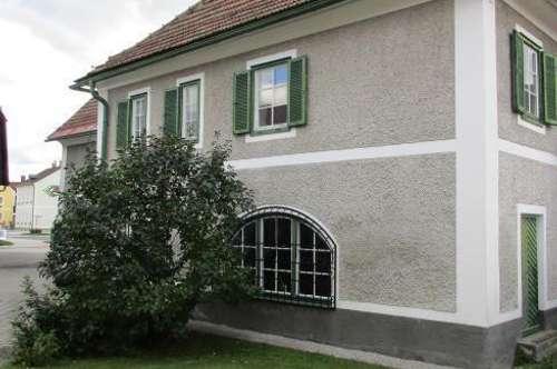 ARBEITEN UND WOHNEN unter einem Dach !! Charmantes Herrenhaus mit vielen Gestaltungsmöglichkeiten!