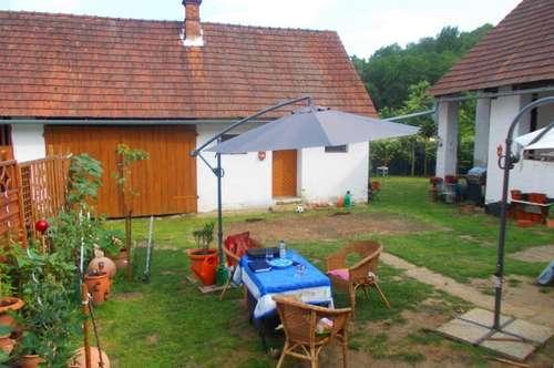 Liebevolles Bauernhaus ca. 100m² Nfl., ca. 1447m² Grund , 125.000.-Euro