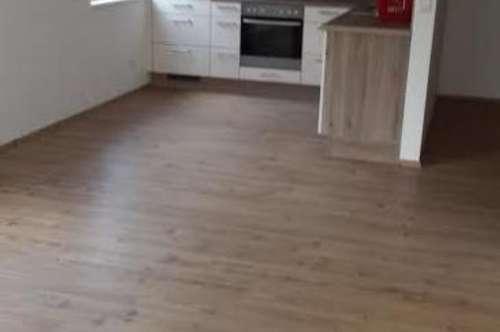 Brixlegg/Mühlbichl: sonnige 2-Zimmer-Wohnung mit Balkon und Tiefgarage