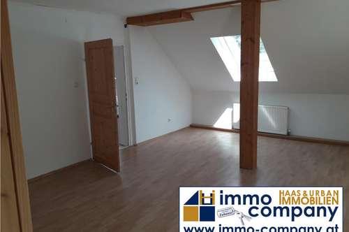 3-Zimmer-DG-Wohnung ruhige Lage – gute Verkehrsanbindung!