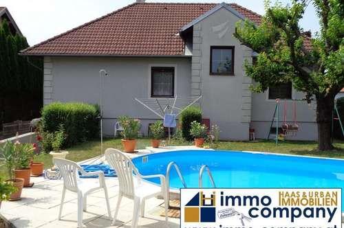 Schönes, gepflegtes Einfamilienhaus mit Garten und Pool in ruhiger Lage