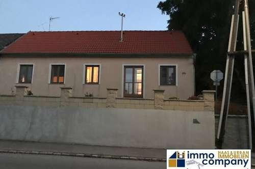 Bezirk Mistelbach: Ruhige Eigentumshaus mit Teichblick !!!