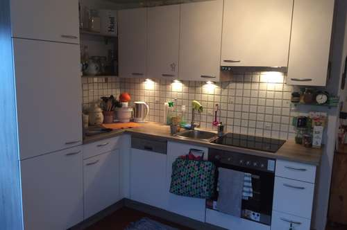 Mutters- Ruhelage: Helle 2-Zimmerwohnung, 50 m² Wfl., Balkon, Sofortbezug