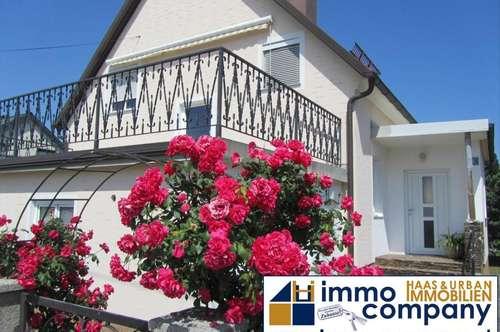 Gepflegtes, charmantes Haus in ruhiger Lage !! Schöner, sonniger Garten !! Sehr viel Potential !