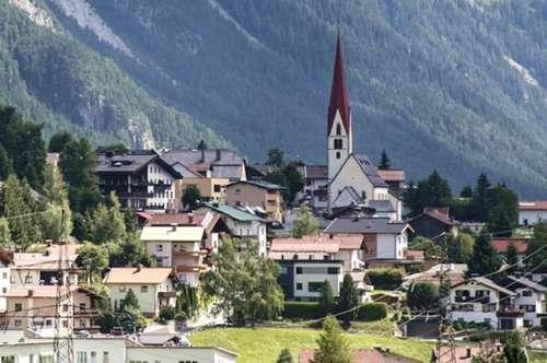 Pettneu am Arlberg: Voll erschlossener Bauplatz, 959 m² Gfl, in sehr guter Lage zu verkaufen