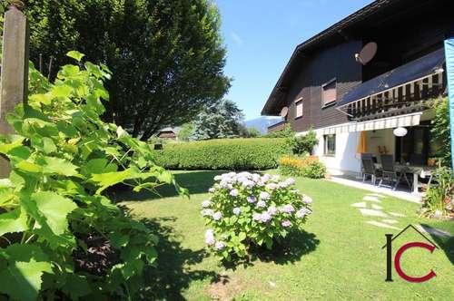 Reizende Doppelhaushälfte mit Garage und schönem Garten