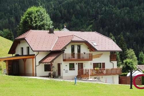 Modernes Zweifamilienhaus in absolut sonniger Ruhe- Aussichtslage und Skiliftnähe