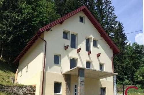 Mehrfamilienhaus mit eigener Quelle in herrlicher Aussichtslage