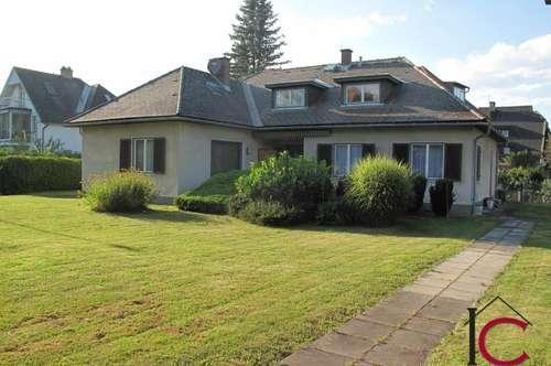 Großes Wohnhaus mit Garage in sonniger und ruhiger Lage