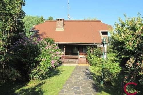 Gepflegtes Einfamilienhaus mit idyllischem Gartenbereich und Gartenhäuschen