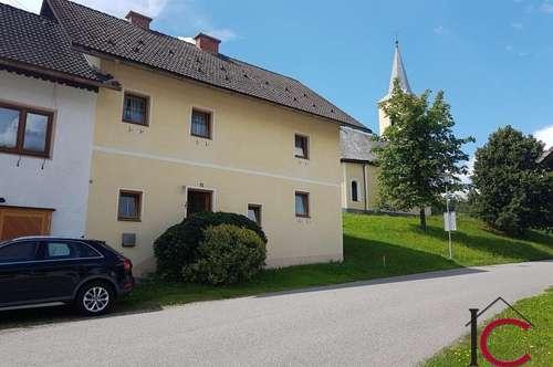 Reizende Haushälfte in ruhiger und sonniger Lage, oberhalb von Arnoldstein