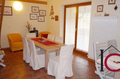 Schöne 4-Zimmer-Maisonette mit Garage und Terrasse in idylllischer Aussichtslage