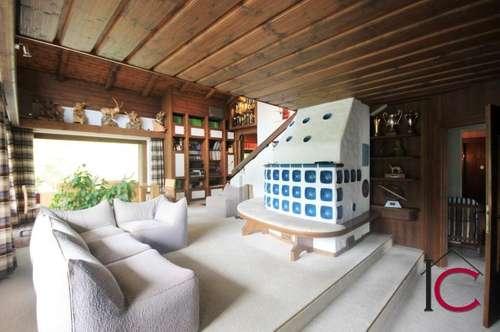 Großzügiges Wohnhaus mit Garage, Gartenhaus und kleinem Mühlenholzhaus